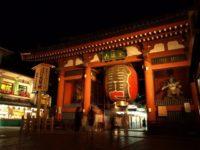 夜の雷門~浅草寺はライトアップが美しい撮影ポイント!