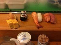 安くてネタが大きい深夜営業の「緑寿司」が美味しい!