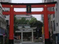 大きな鳥居の下谷神社へ行こう!社殿が多くの人を魅了する都内最古の稲荷神社。