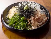 浅草隅田川沿い駒形で美味しい手打ちそばなら!蕎麦上人で三色蕎麦を。