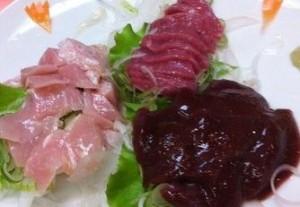 モツ料理の名店「喜美松」で、茹でモツ刺しからモツ焼きまでモツを食べ尽くす!!!