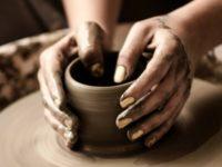 伝統的工芸品とは?伝統工芸の特徴や種類、問題点を知ろう!