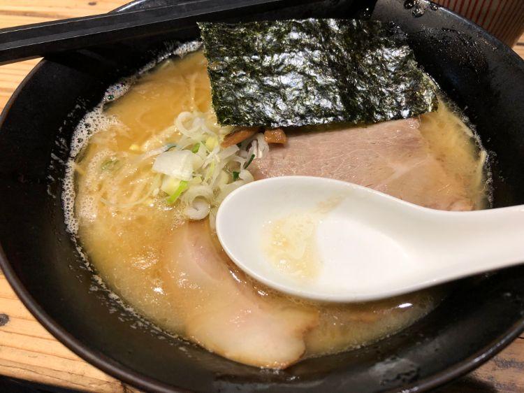 ヨシベーラーメン醤油